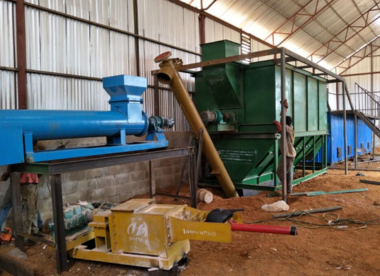Liberia 2tph palm oil pressing machine is installing